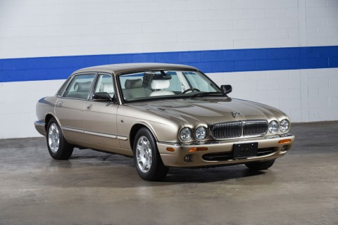 2000 Jaguar XJ8 Vanden Plas Sedan for sale
