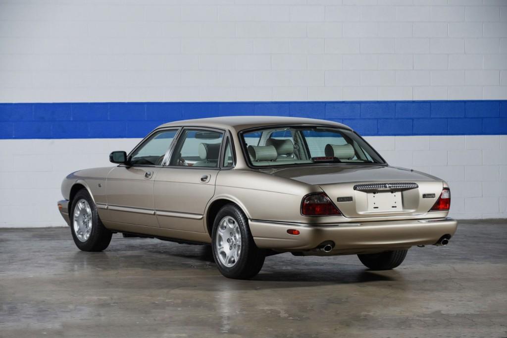 2000 jaguar xj8 vanden plas sedan for sale. Black Bedroom Furniture Sets. Home Design Ideas