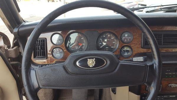 1985 Jaguar XJ6 Vanden Plas