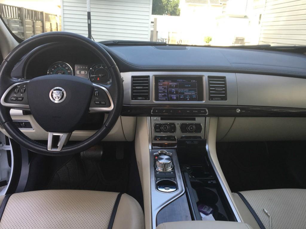 2012 Jaguar XF Sedan