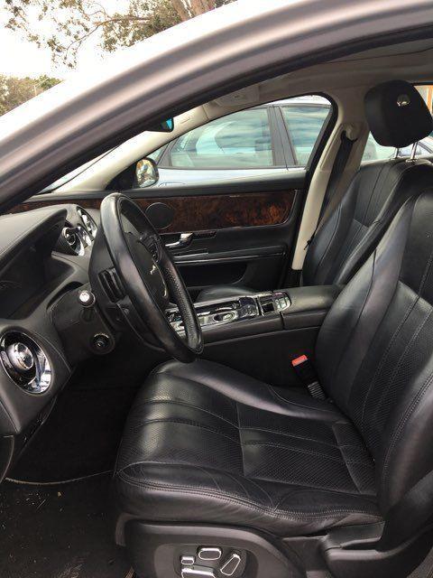 2011 Jaguar XJ in excellent shape