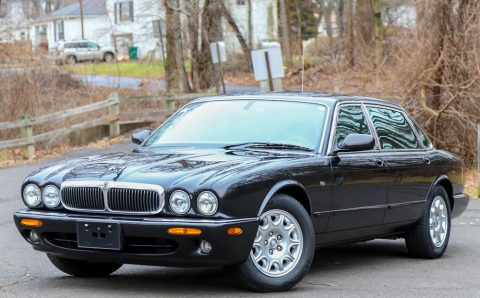 2001 Jaguar XJ8 L – well kept for sale
