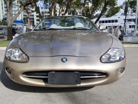 BEAUTIFUL 1998 Jaguar XK8 for sale