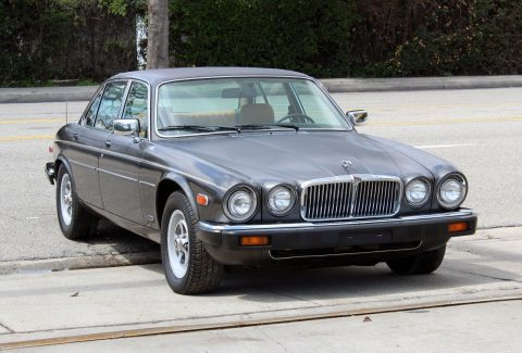 NICE 1986 Jaguar XJ6 for sale